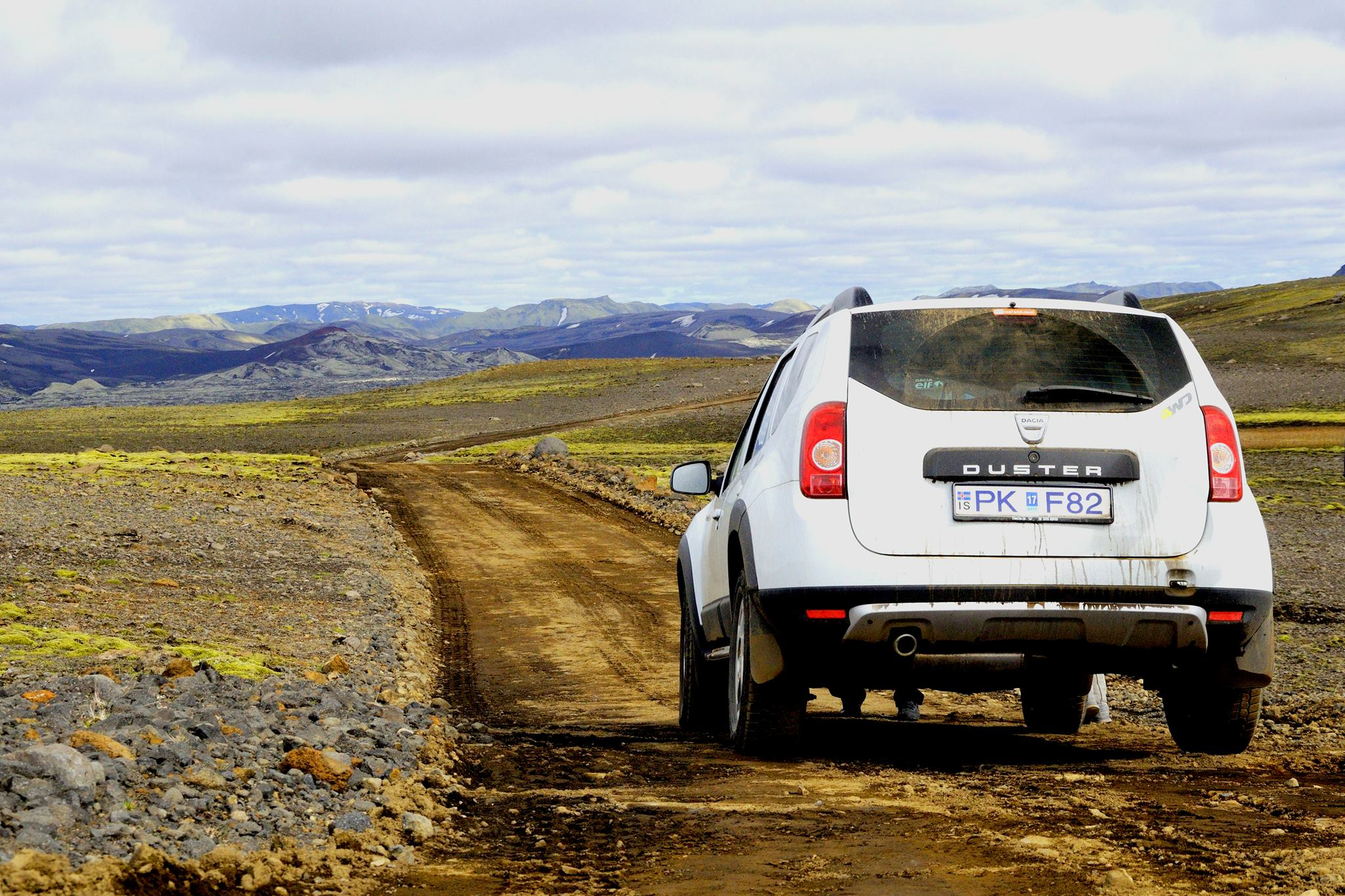 guide to iceland car hire